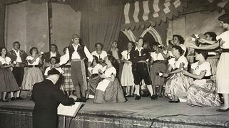 1956 full dress rehearsals for the gondoliers